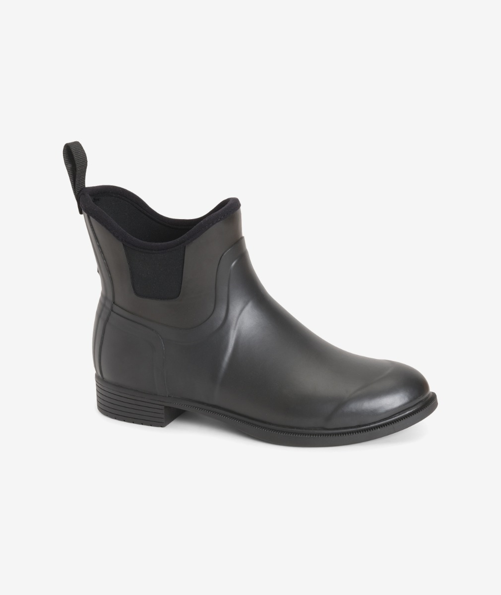 Muck Boot Women Derby Riding Boot in Black